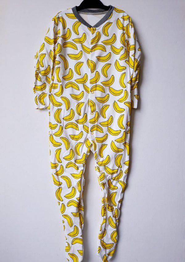 Сліп банани на хлопчика