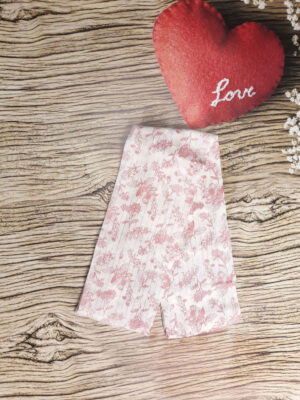 Пелюшки з рожевими квітами TU